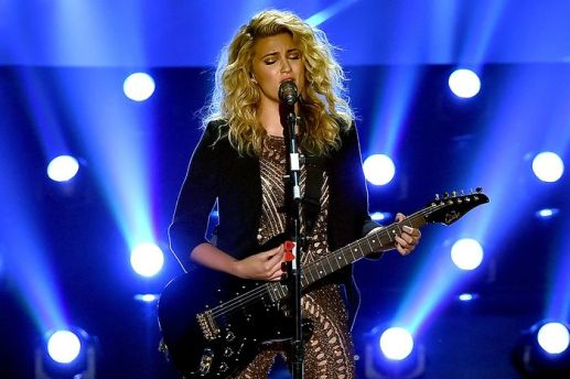 Tori Kelly MTV Music Awards