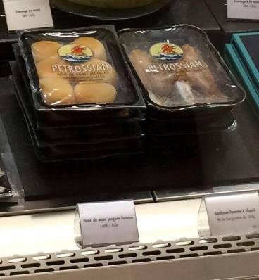 Noix de saint jacques et sardines fumées Petrossian