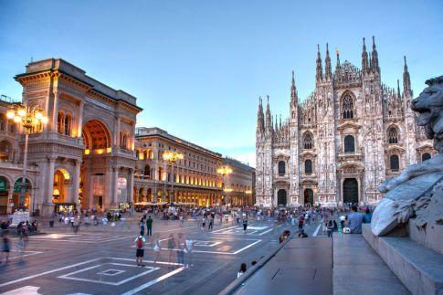Place-du-Duomo-Milan