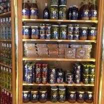 Produits Petrossian - caviar d'aubergines, Bortch, Bisque de homard, Cornichons à la Russe