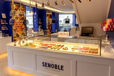 senoble-salon-de-the-inside