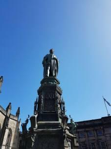 Statue sir Walter Scott