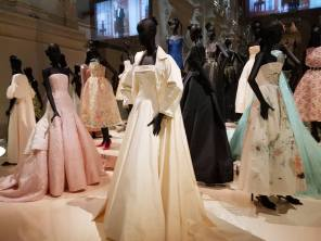 Robes exposition Christian Dior 11