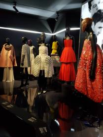 Robes exposition Christian Dior 12