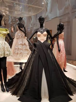 Robes exposition Christian Dior 2