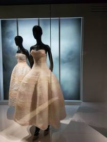 Robes exposition Christian Dior 8