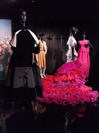 Robes exposition Christian Dior
