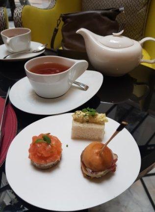 Finger sandwichs et thé